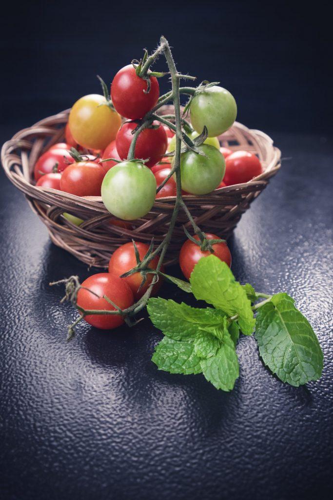 tomates cerises à planter sur le balcon